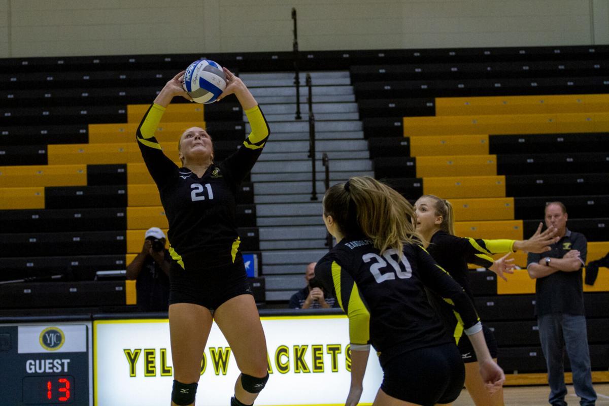 Mary Washington at R-MC women's volleyball: Gubba sets 'em up