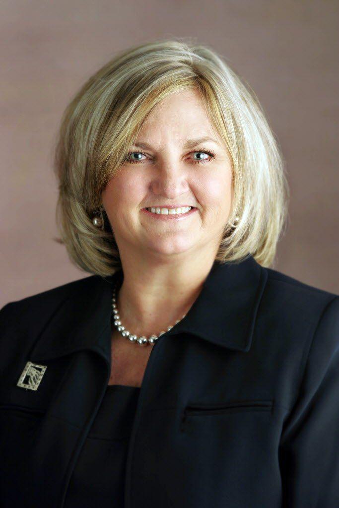 Claire Guthrie Gastanaga