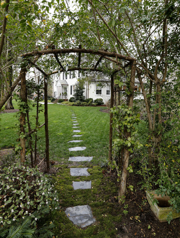 Owners open their homes for Historic Garden Week | Home and Gardens ...
