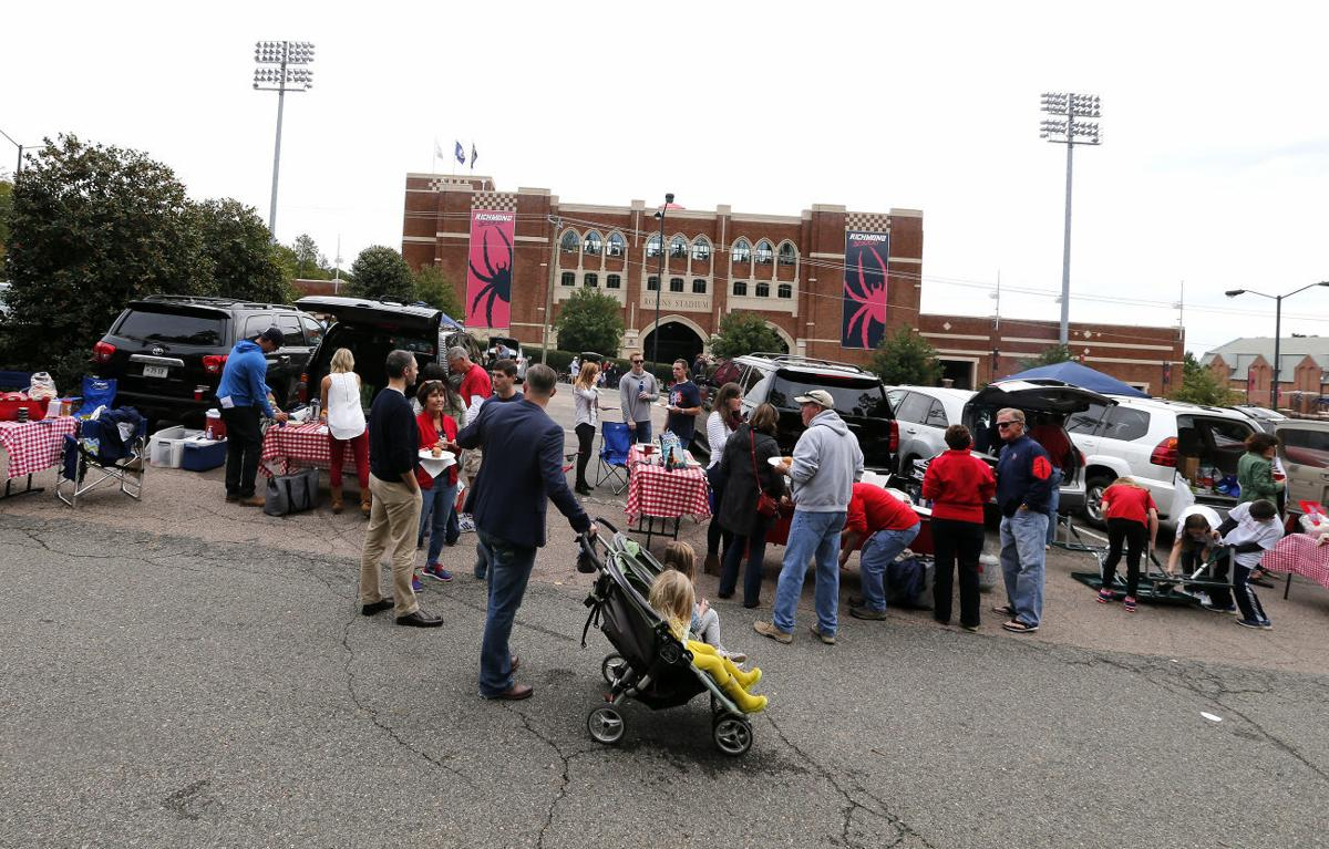 Tailgaters at UR-Elon game