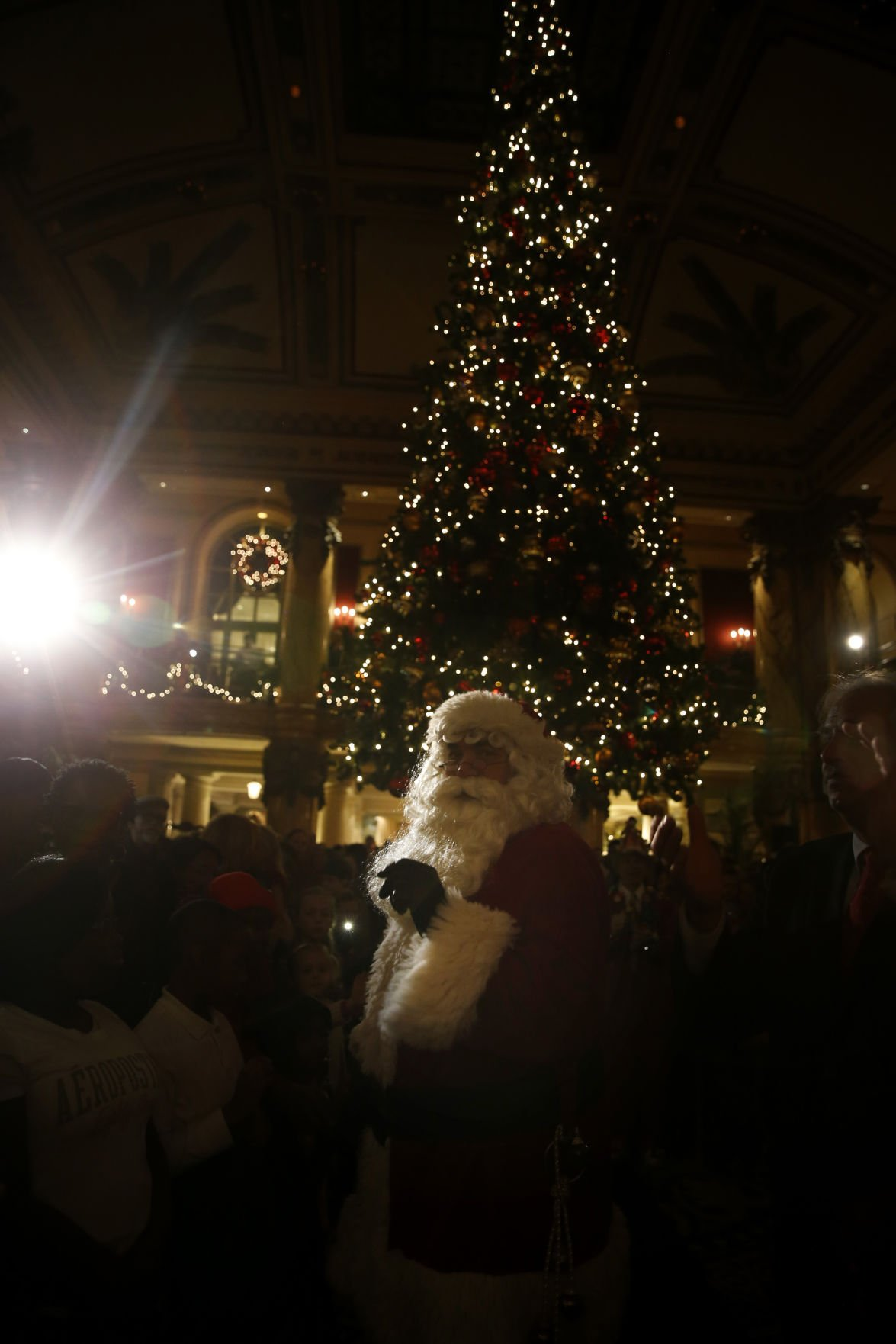 The Jefferson Hotel lights up for the holidays