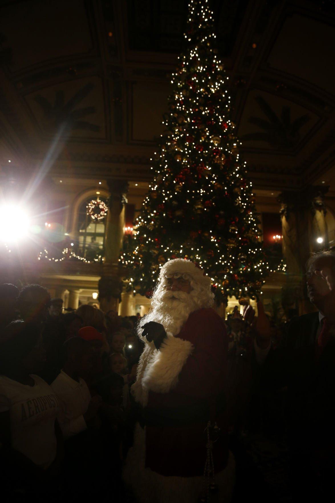 Jefferson Hotel tree lighting kicks off holiday season