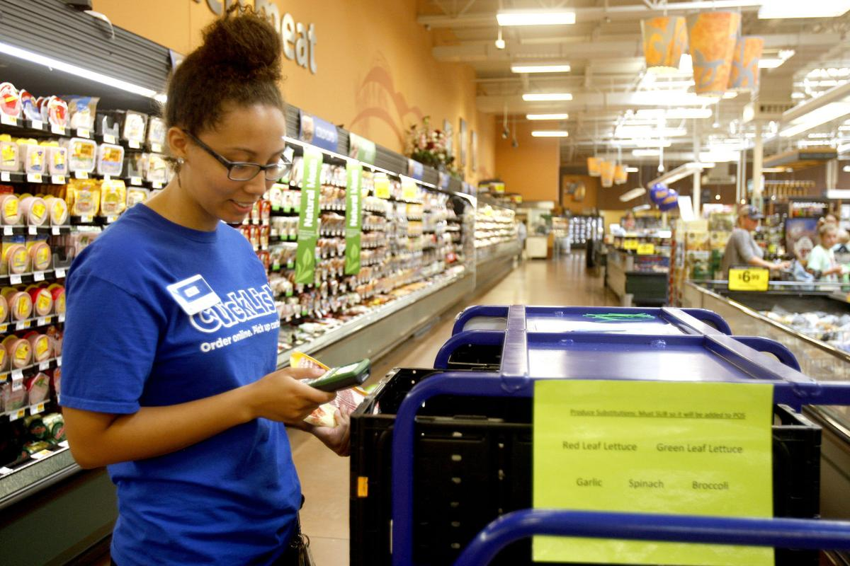 Grocery online ordering, at-store pickup service increasing