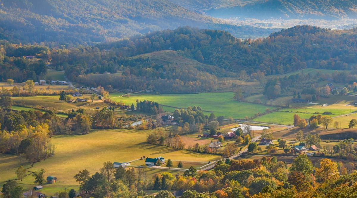 WINNER - Mountains and Valleys - Powell Valley - Liz Clayton