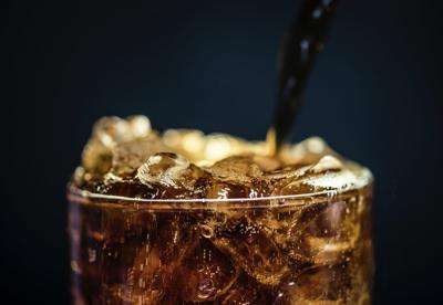 beverage-carbonated-drink-coca-cola-1549041.jpg