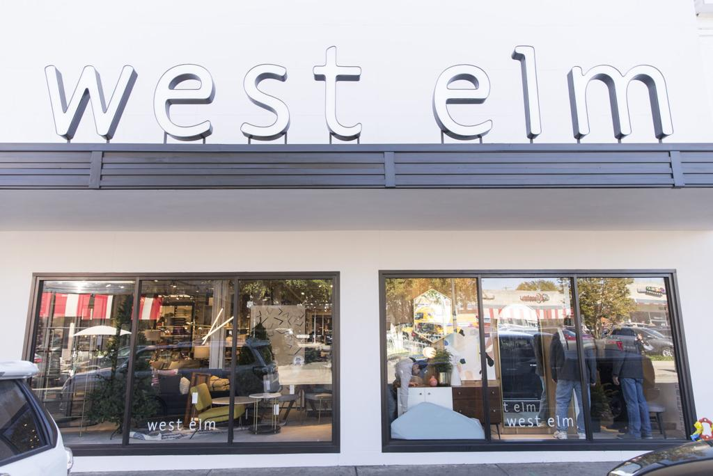 West Elm Christmas Display.West Elm Home Furnishing Store Returns To Richmond Area With