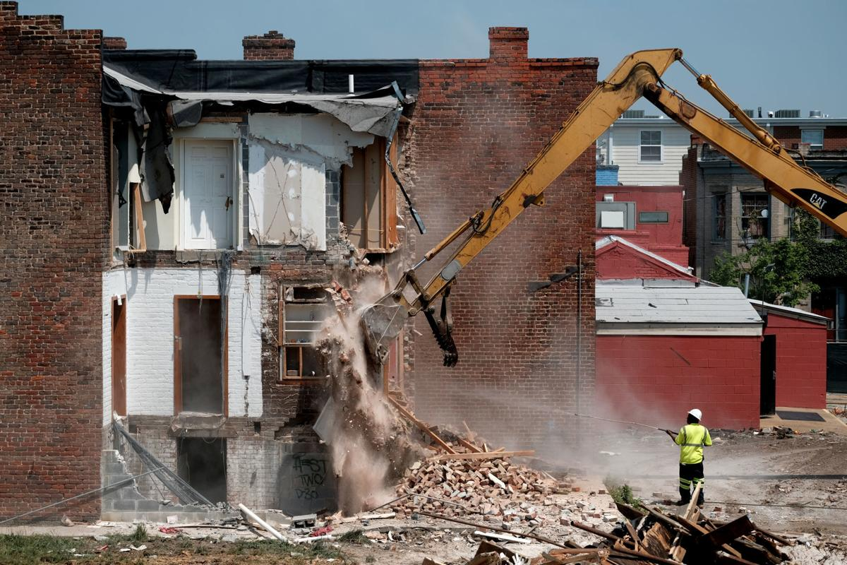 Demolition at 800 West Cary Street