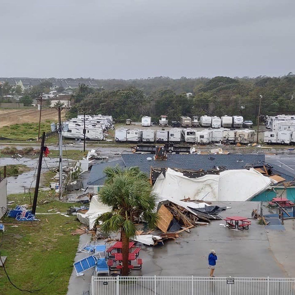 Waterspout comes ashore on Emerald Isle, hits RV park