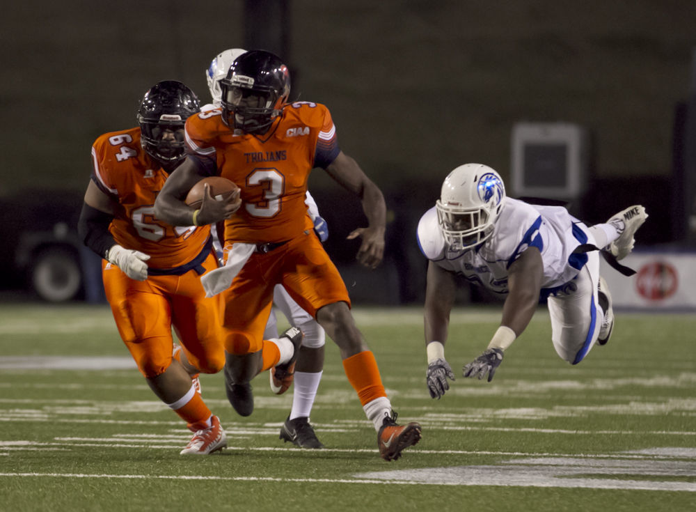 virginia state ready for free football on saturday as trojans host