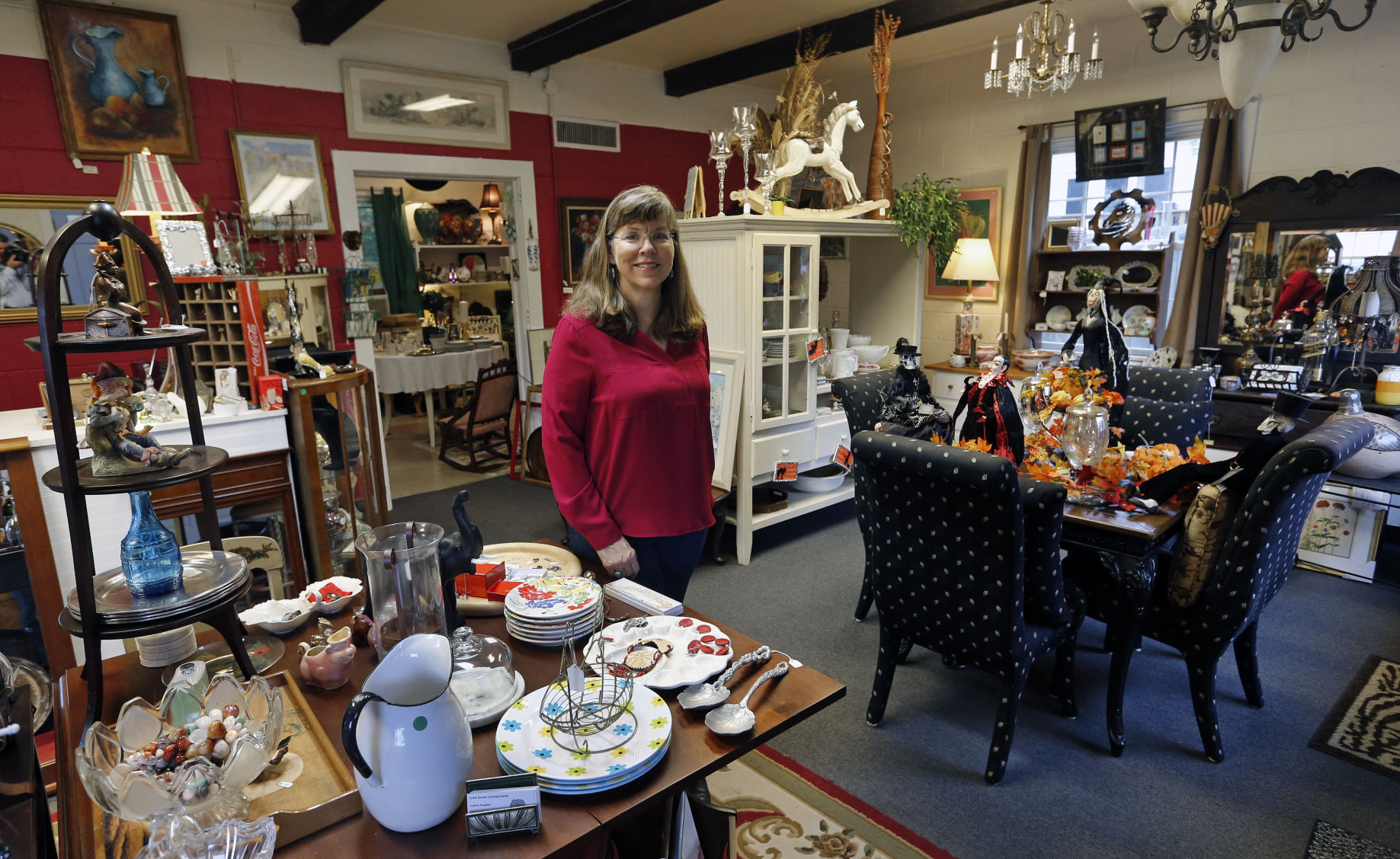 Attirant Trade Names: Little House Consignments Is Full Of Furniture And Jewelry  Items For Sale