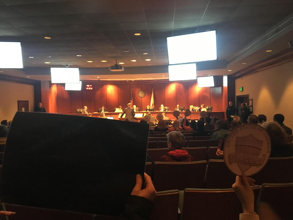 Chesterfield supervisors vote to lower real estate tax rate