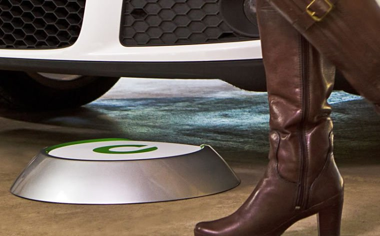 Evatran to begin shipping its Plugless electric vehicle charging system