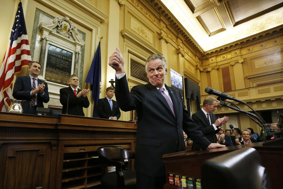 Budget bill seeks to raise governor's Cabinet members' salaries by $1,146 to $13,034