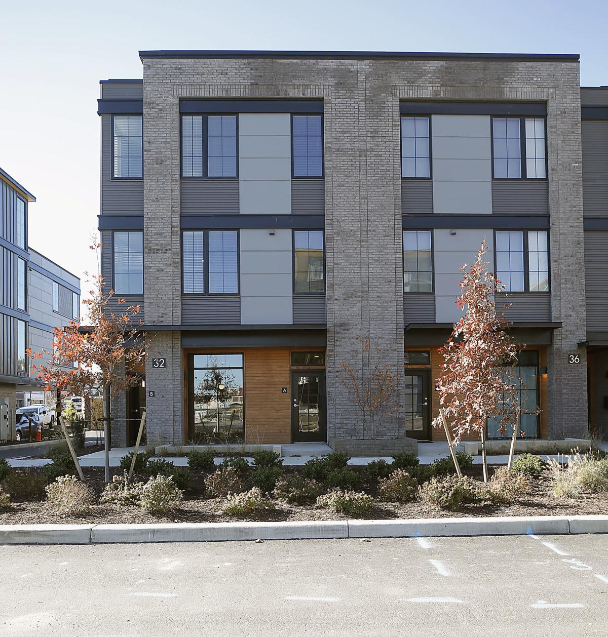 More Apartments Under Construction In Warner Center: More Than 1,000 Apartments In Manchester Are Under