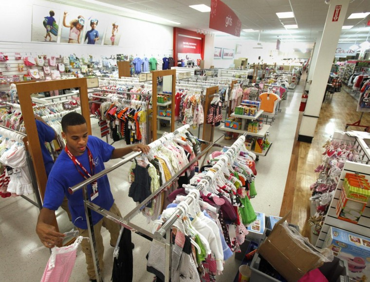 Brandon Carter Helps Prepare The Combined T.J. Maxx And HomeGoods Store At  Chesterfield Towne Center For Todayu0027s Opening.
