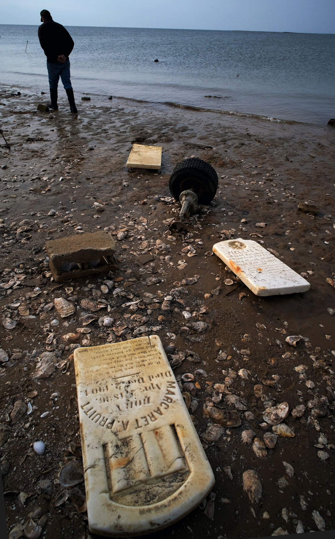 Tangier Island: tombstones on Uppards beach