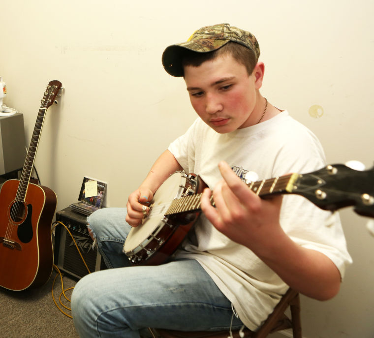 Banjo Playing Popular Among Teens In SW Va Virginia
