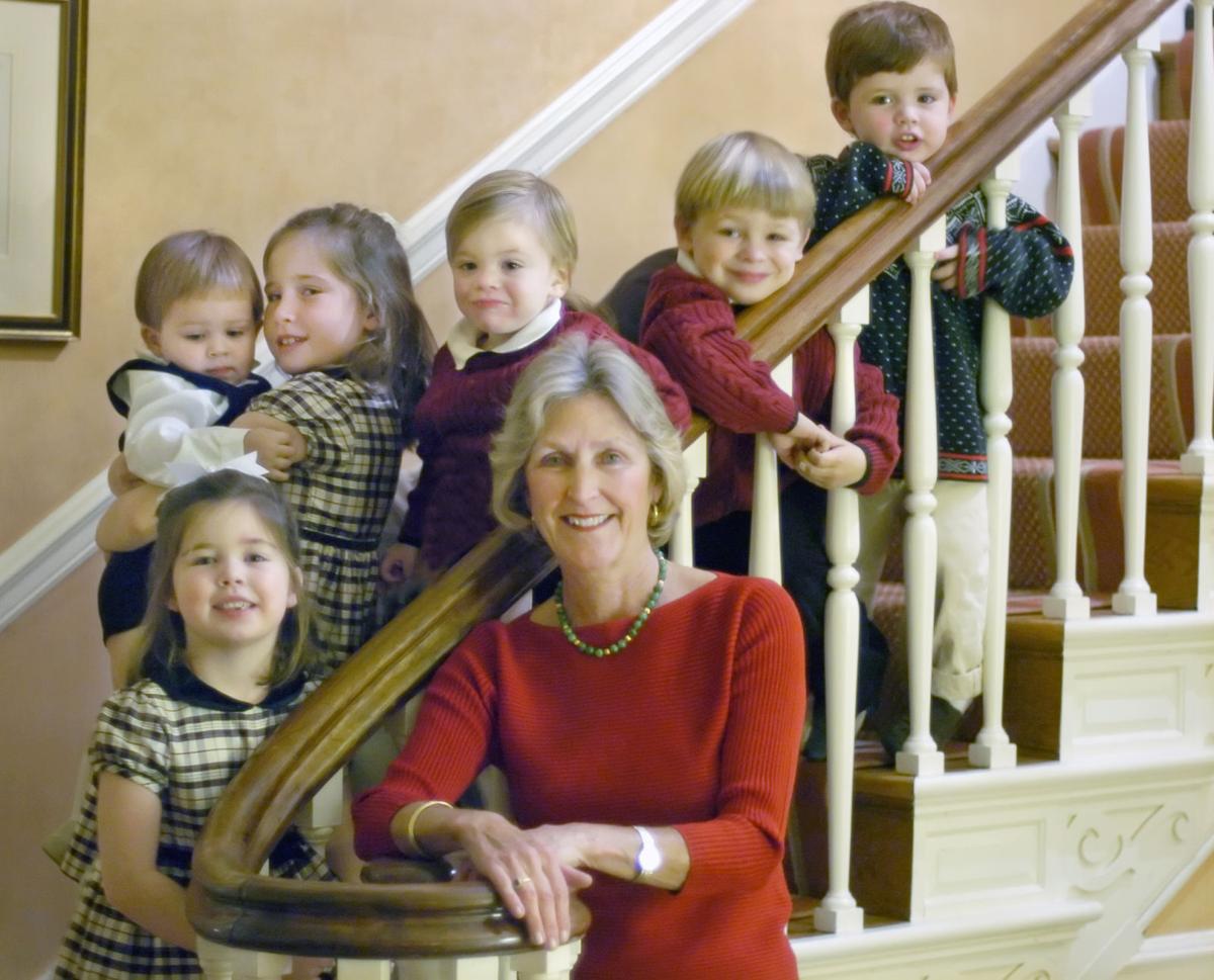 2004 RICHMOND CHRISTMAS MOTHER