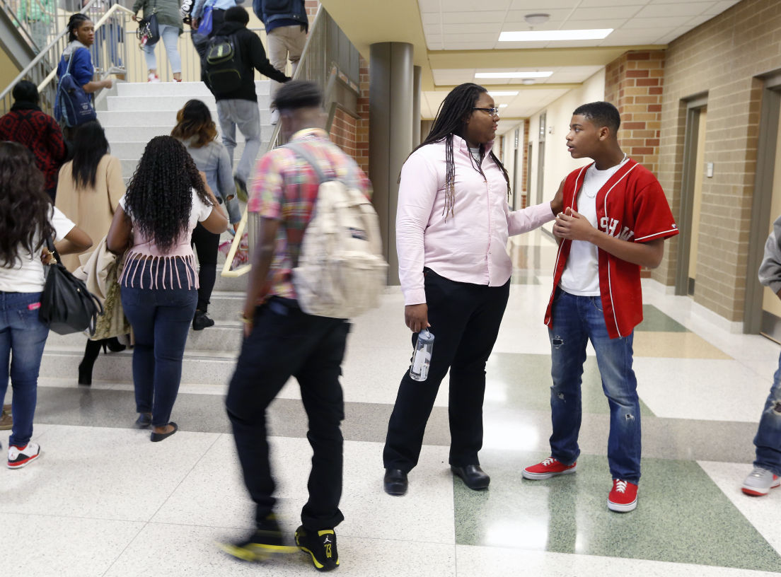 New Huguenot High School opens