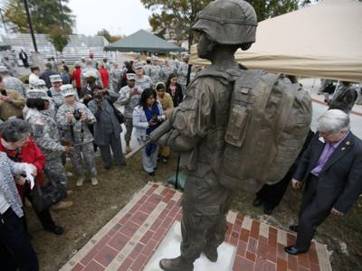 Fort Lee statue honors female warriors