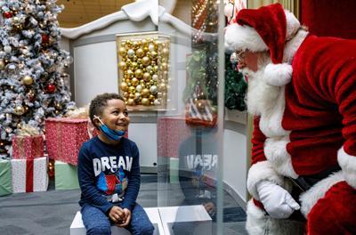 Virus Outbreak Mall Santas