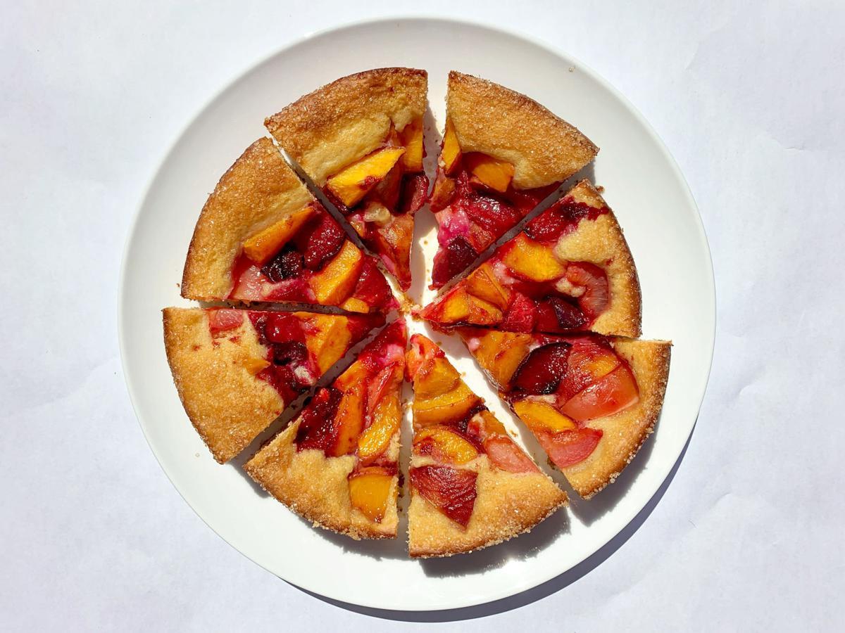 FOOD-YEASTED-BREAKFAST-CAKE-LA