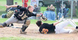 Baseball: Ripon bats wake up in 12-2 victory over Xavier