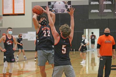 Boys' basketball begins023.JPG