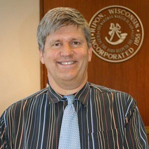 City administrator is in top five for Marshfield post
