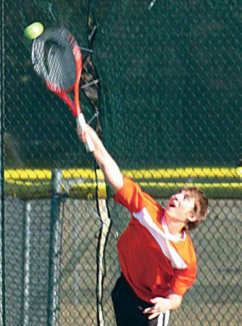 Ripon boys' tennis team edges Wayland 4-3