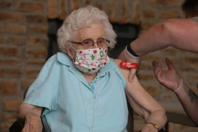 Ripon's Maplecrest Assisted Living receives COVID-19 vaccine