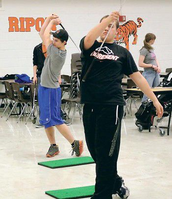 Ripon golf team swings into season with a high number of seniors