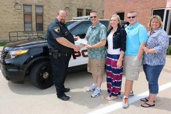 Mayor donates for (police)man's best friend