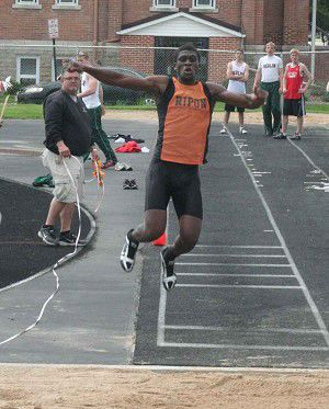 Three RHS athletes qualify for state track meet