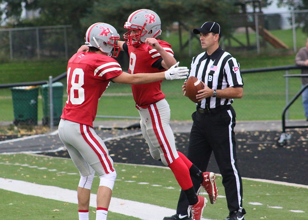 RC football team hopes mix of youth and experience can help win close games