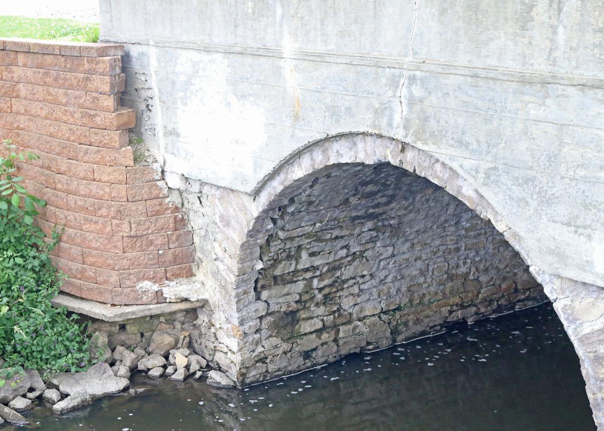 Tygert Street bridge - failing base