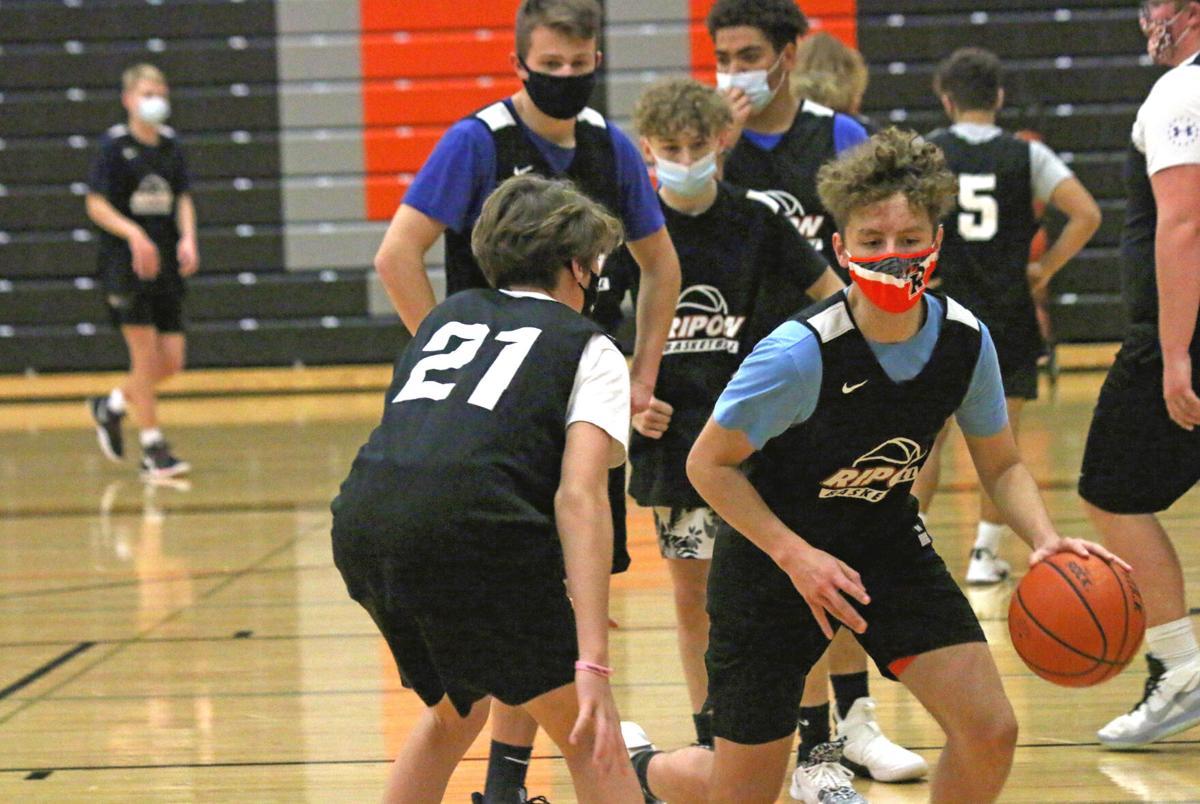 Boys' basketball begins003.JPG