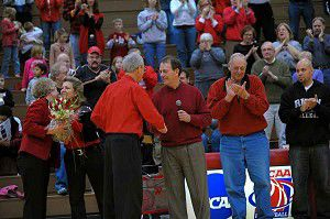 Ripon College basketball court named in honor of Bob Gillespie