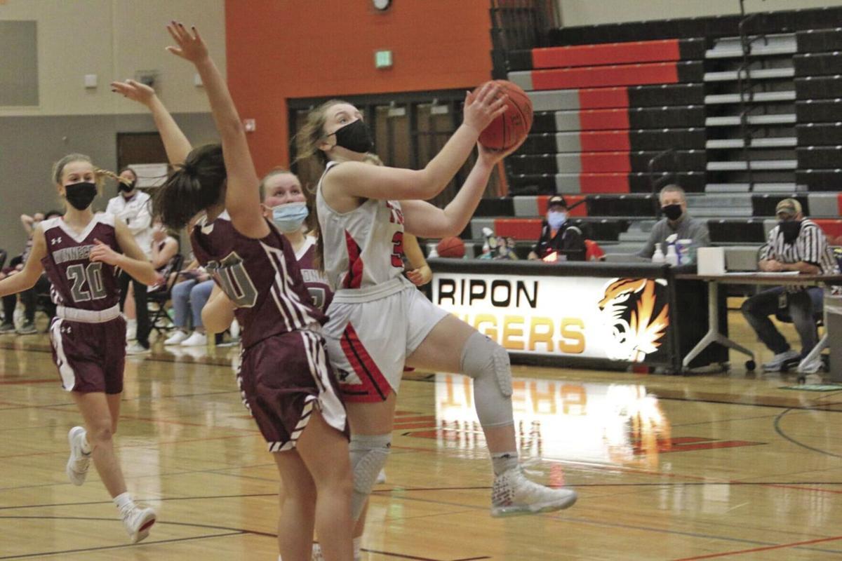 Senior Snapshot: Avery Downs (basketball)