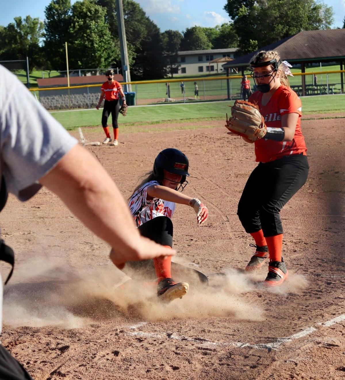 Ripon club softball vs. Clintonville-1