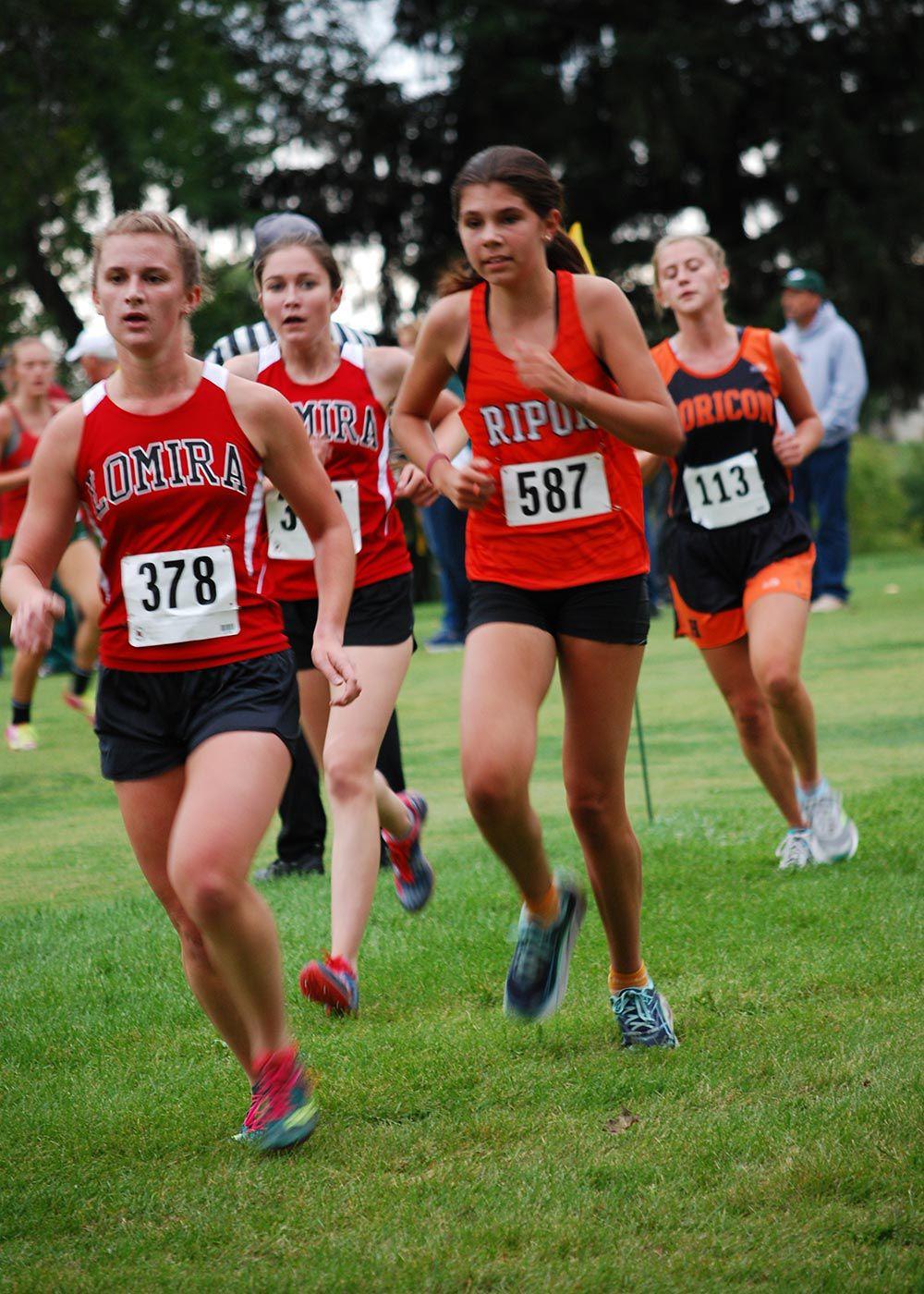 Running strong: Tiger boys finish 3rd, girls 4th at Berlin Invite