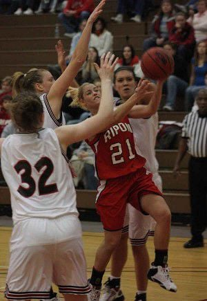 RC Women qualify for conference tournament