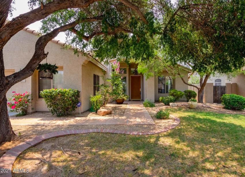 perfect snowbird house in Phoenix, Ariz. for sale 1