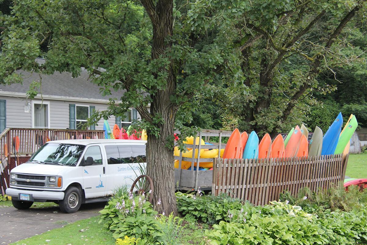 Zumbro River Ratz canoes.jpg