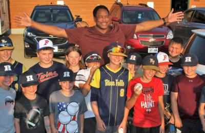 Dave Winfield and kids