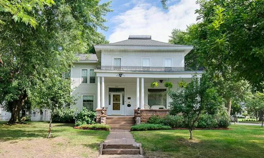 New Richmond, Wis. historic house 1