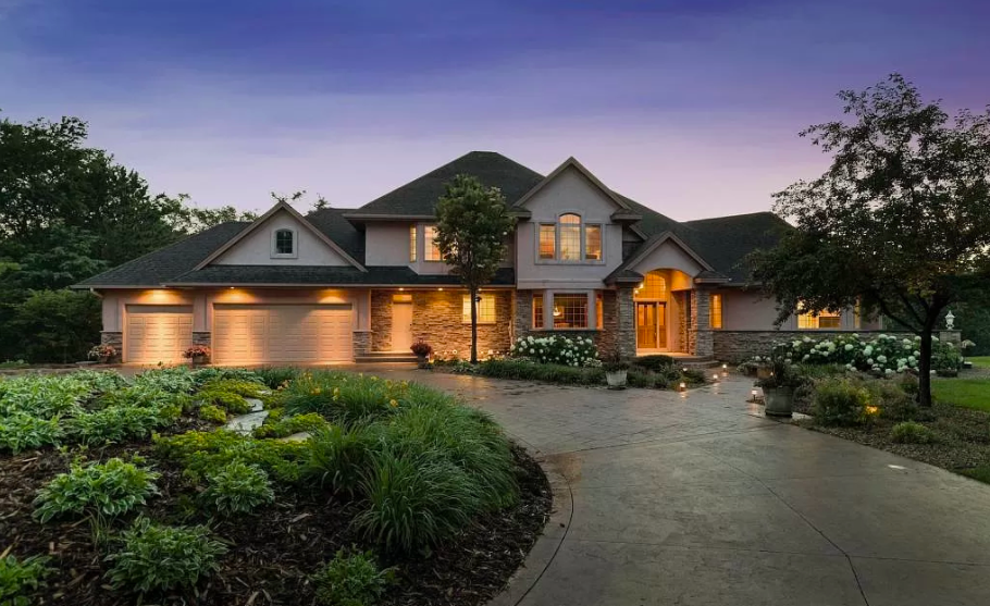 Hudson Wis., 7,031 square foot house 1
