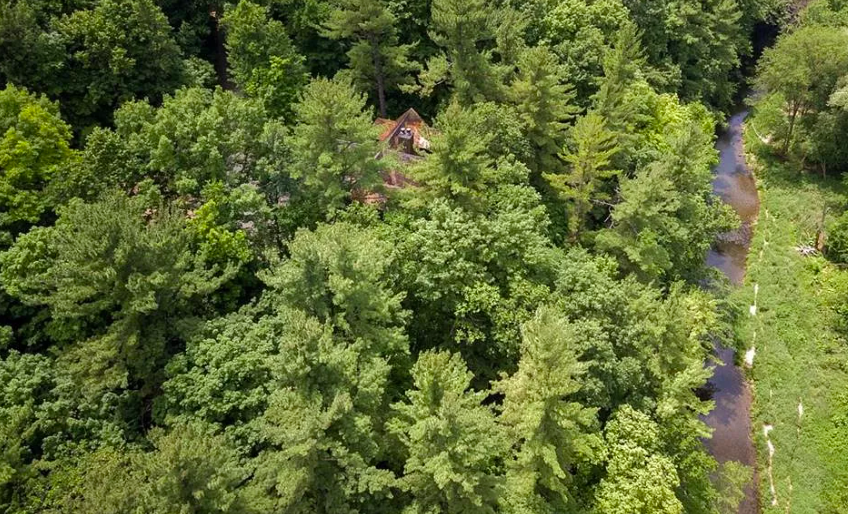 Spring Valley, Wis., house for sale on river 2