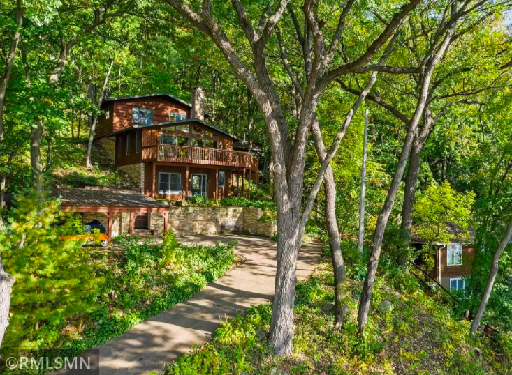 Hudson, Wis. tree house for sale 1