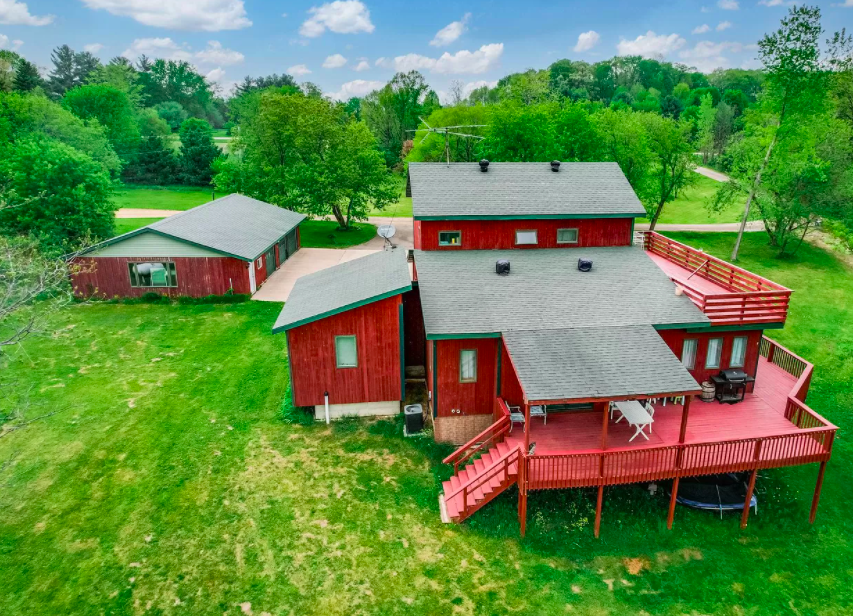 Spring Valley, Wis., farm house for sale 2